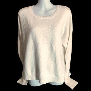 Bass long sleeves Sweater with tag